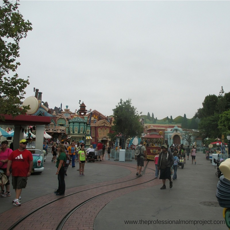 Toontown - Our Top Tips for Travelling to Disneyland with a Four Year Old from The Professional Mom Project