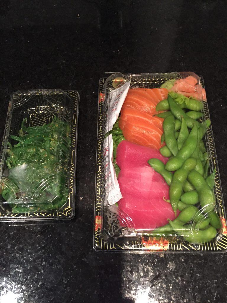 Kaiso salad and sashimi for sushi bowls