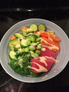 Super Simple Salmon and Tuna Sushi Bowls - easy and healthy. Perfect for tonight's dinner!