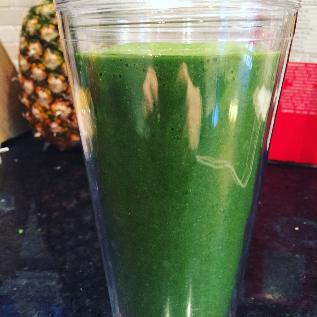 Looking for Passover meal ideas? Try a healthy green smoothie for breakfast